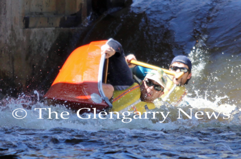 http://glengarry247.com/glengarry247/sites/default/files/field/image/canoerace0662.png